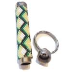 Schlüsselanhänger mit Geheimfach in Grün und Weiß