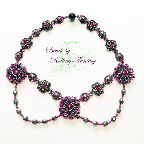 Collier - Canterbury Rose in Hematite und Pink