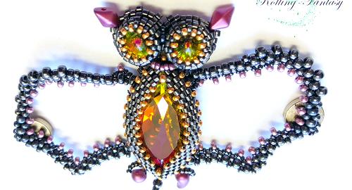 Fledermaus mit Perlen und Magneten an der Rückseite